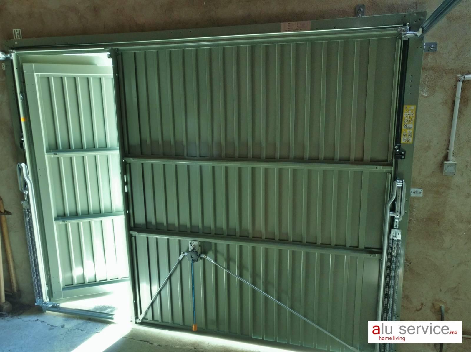 R alisation porte de garage basculante avec portillon for Porte de garage basculante sur mesure avec portillon