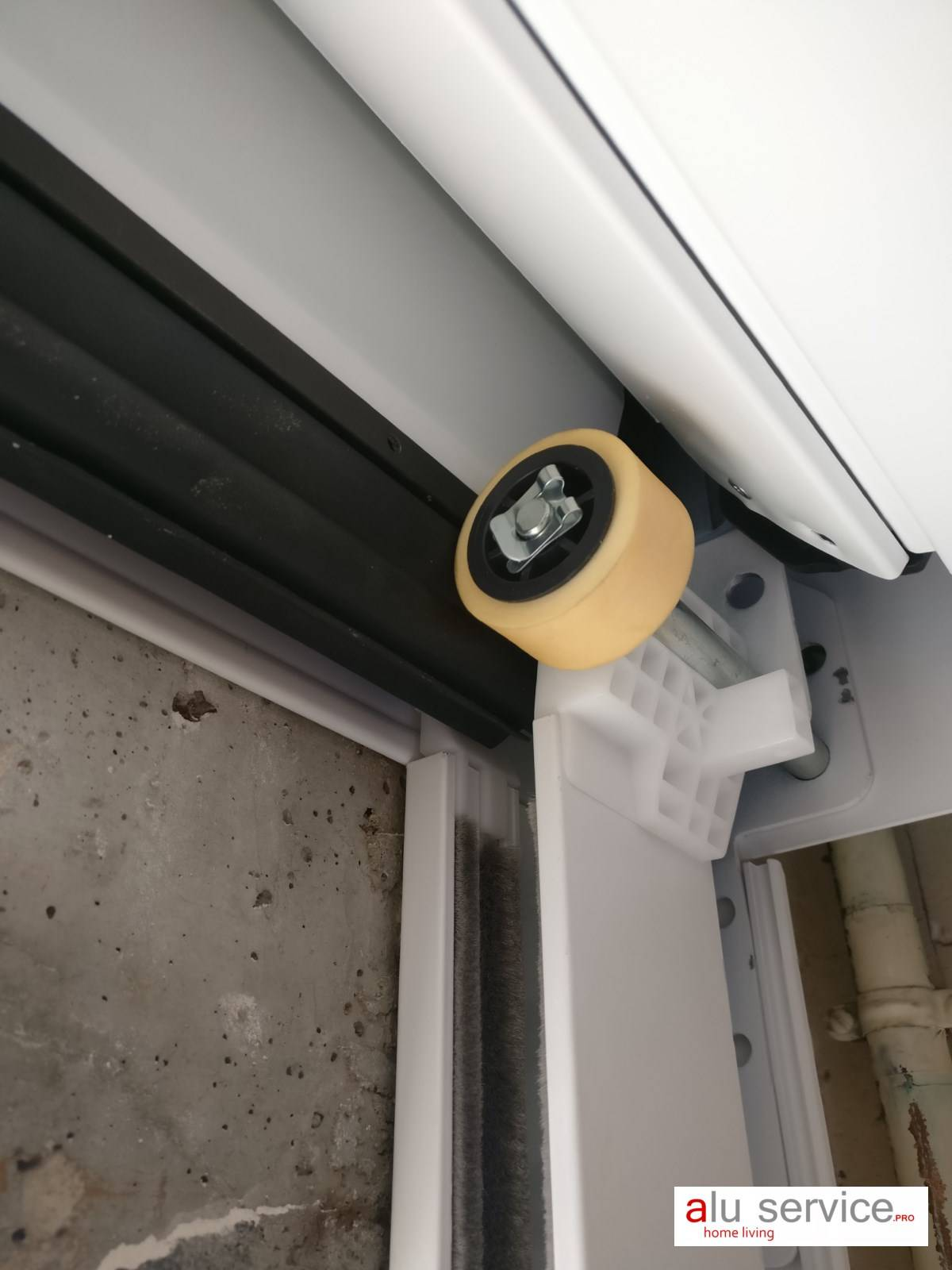 R alisation pose d 39 une porte de garage enroulable hormann - Porte de garage enroulable d occasion ...